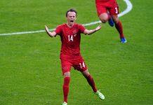 Mikkel Damsgaard vers Liverpool